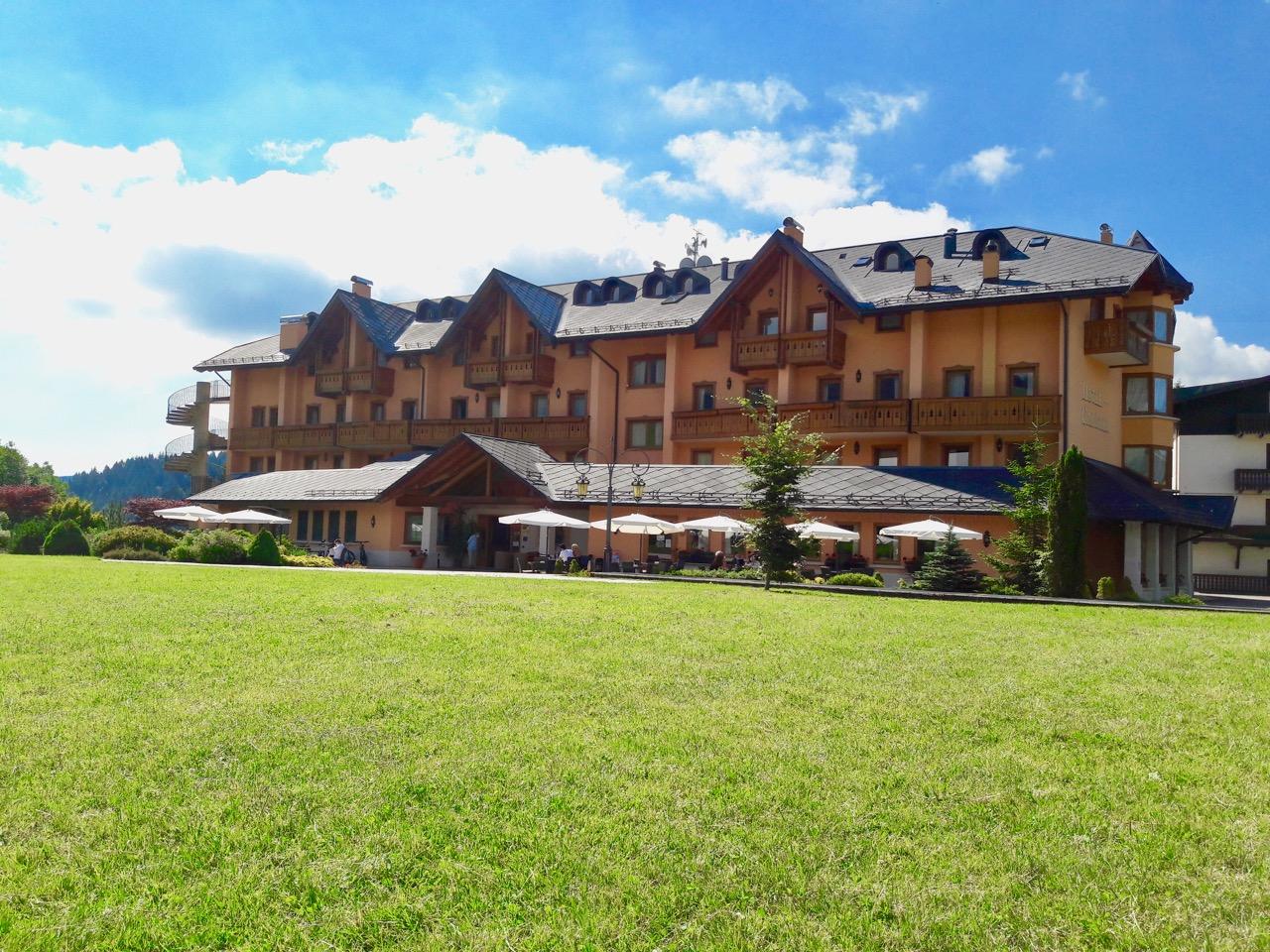 Hotel Gaarten GALLIO